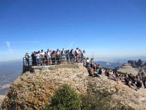 100 Belgian youth at Montserrat